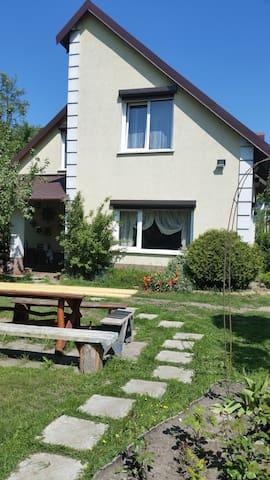 Дом на самом берегу Балтийского моря.