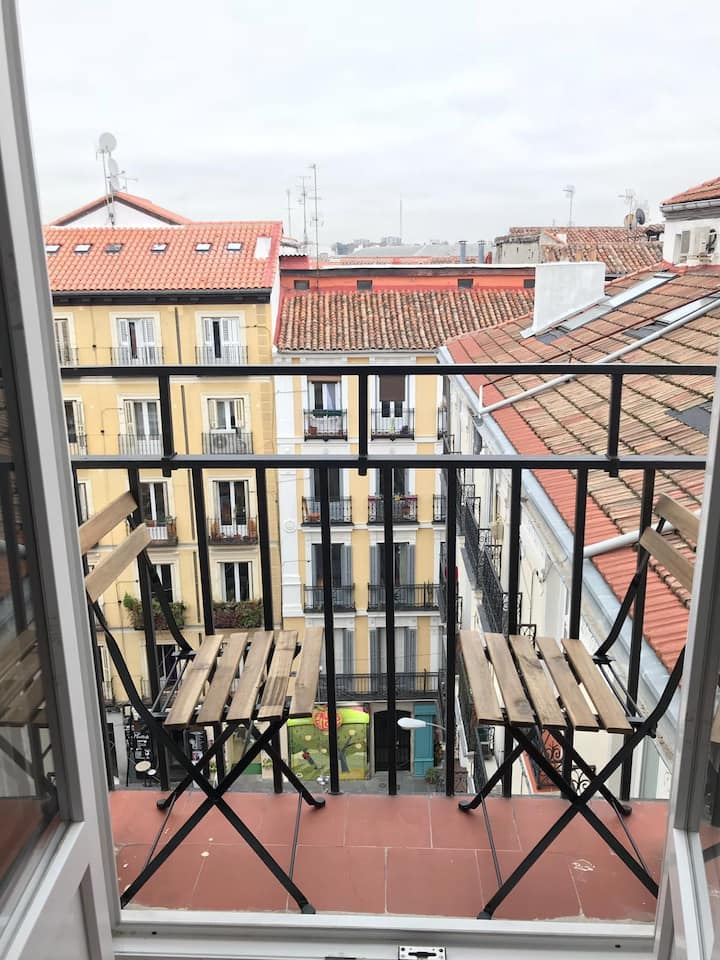 Chueca - Room with private bathroom
