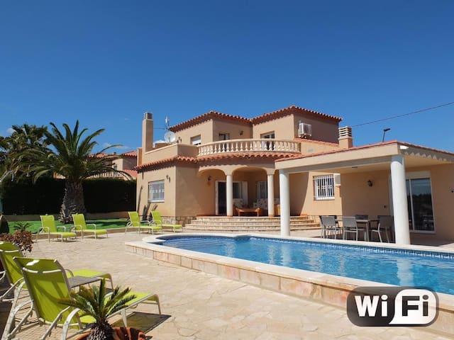 Villa Buena Vista  met prachtig uitzicht 8-10 pers