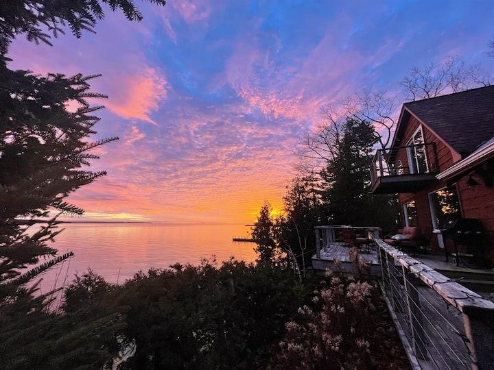 NEW! Luxury Waterfront Cabin in Northern Door County