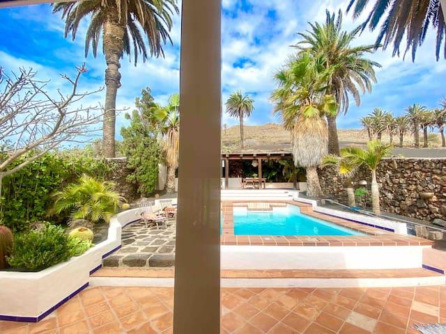 Aloha Palm Lodge