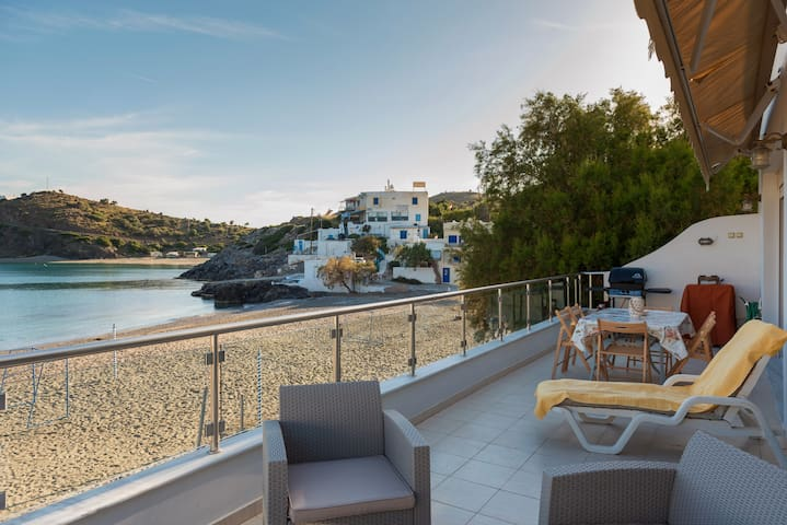 Beach front modern condo south Crete