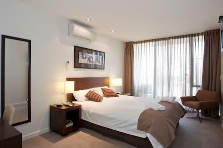 Deluxe Queen Hotel Room #1 - Torquay - Appartement