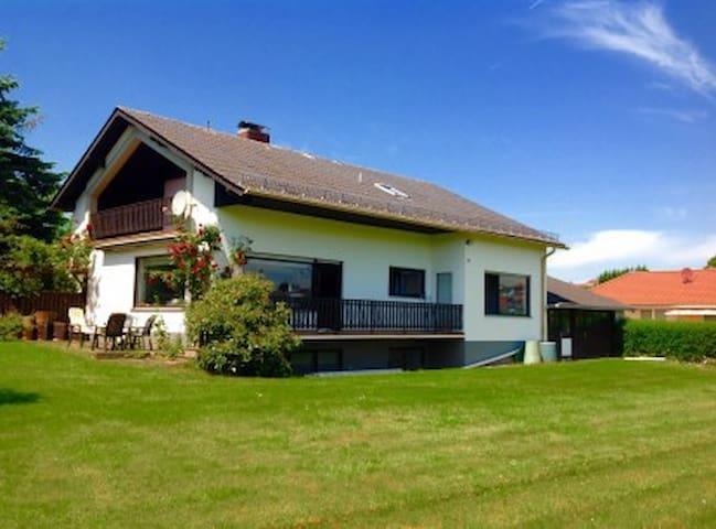 Ferienhaus Eifel (nahe Nürburgring) - Wershofen - Casa