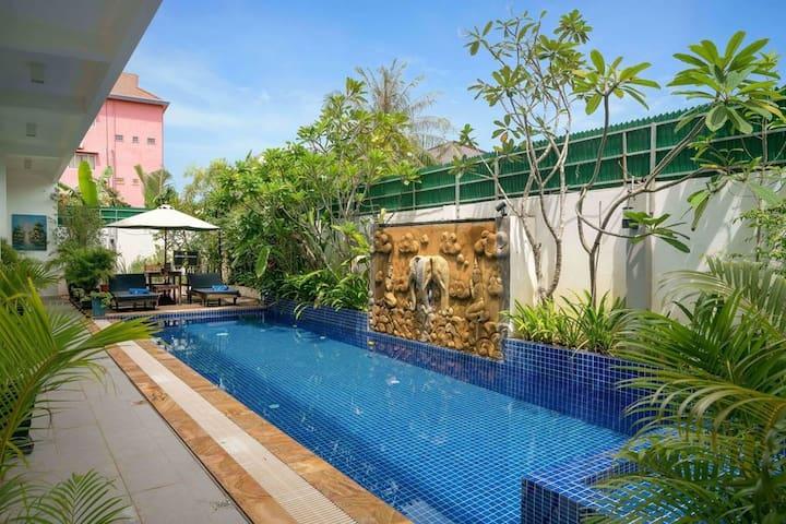 SAV-Entire Villa-Private Pool-Central-Free Pick Up