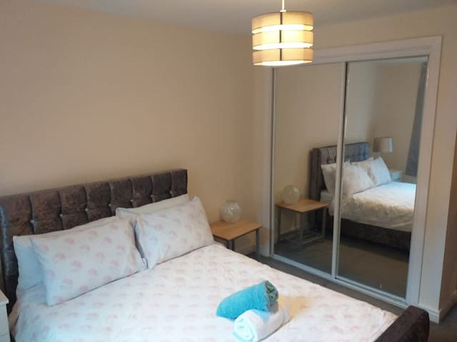 Stylish City Apartment for 4 adults -Affordable