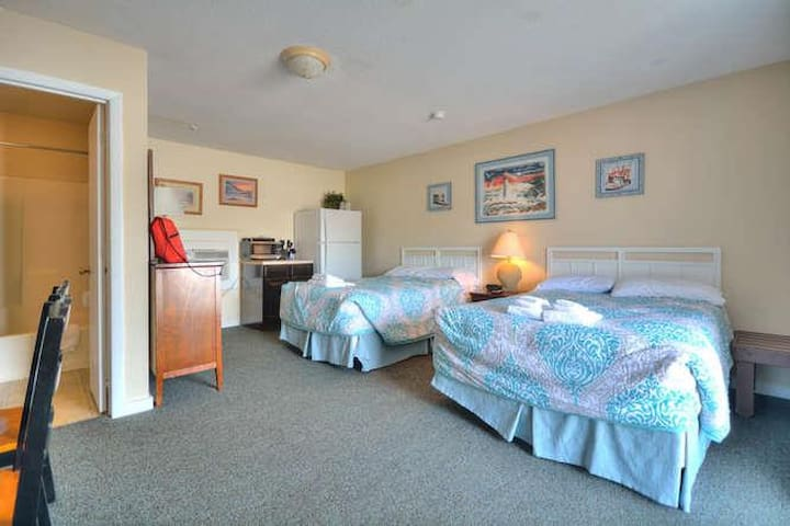 Oak Island Extended Stay 119-small-002-11-RoomKitchenette-666x444-72dpi