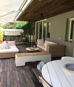 Lussuoso appartamento con giardino - Milano Marittima