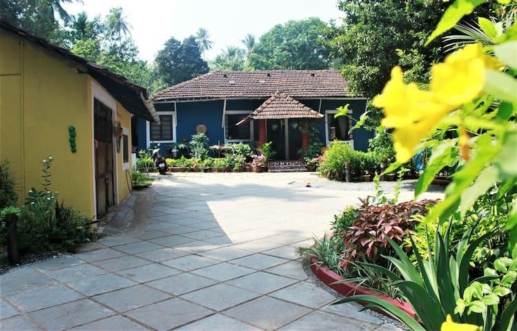 The Village Homestay.A quaint 1BHK near the beach