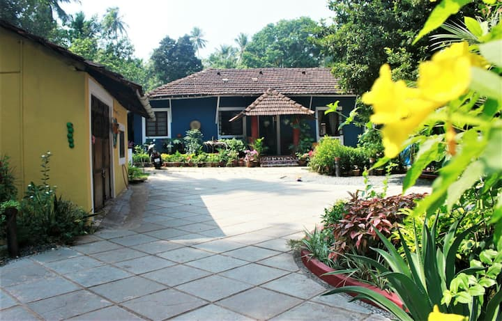 The Village Homestay.A quaint 1BHK near the beach