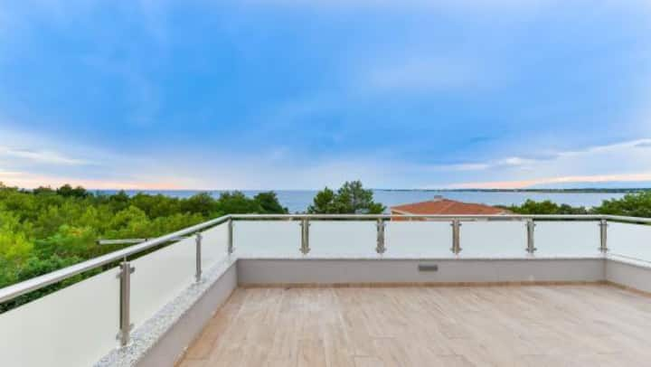 New  Villa with  pool  and roof terace