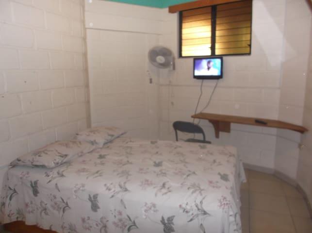 Parc Jaboin - Jacmel - Bed & Breakfast