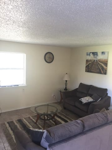 2 Bedroom Apartment to yourself - Lawton