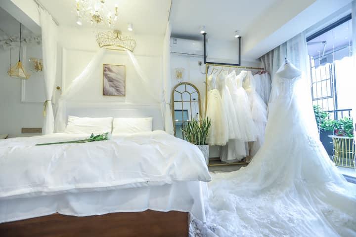 近两江四湖、桂林站、象山景区➕网红婚纱主题舒适大床房➕多款婚纱免费试穿707下
