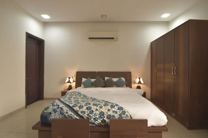 Elegant@3BHK Villa with Swimming Pool, Lawn