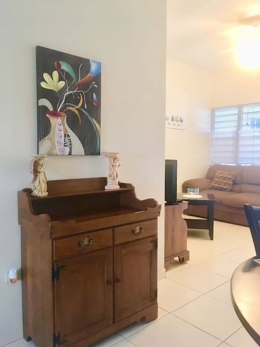 Dinning Room Ethan Allen Server - Aguadilla Vacation Rental Las Delicias