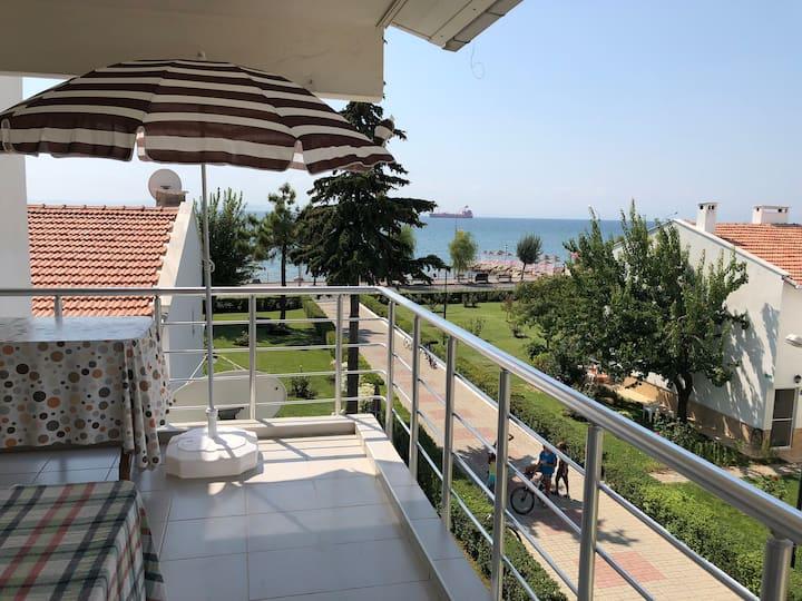 Şarköy'de Deniz Manzaralı Balkonlu Ev