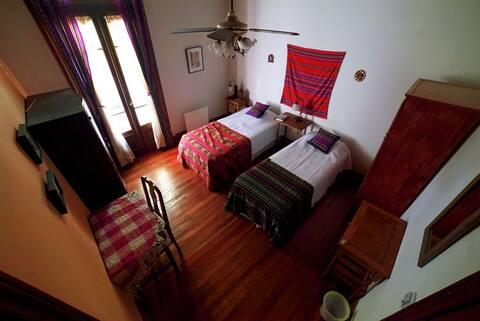 Casa Al Sudeste / Cama 1 en Habitación Compartida