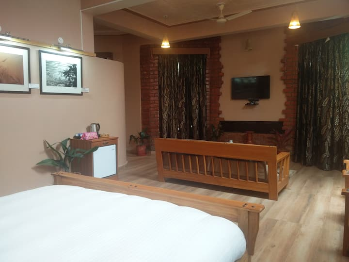 Pin Parbati Pass Luxury Family Suite for 4 guest