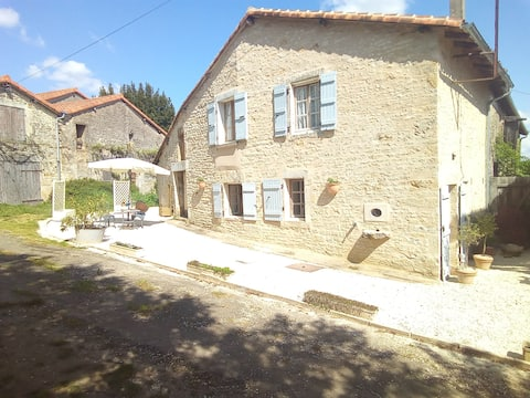 One bedroom Charentaise Cottage with Heated Pool