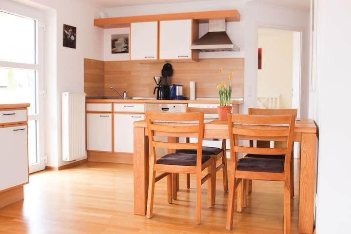 Villa Donautal, (Inzigkofen), Ferienwohnung mit Garten, 67qm, 2 Schlafzimmer, max. 4 Personen