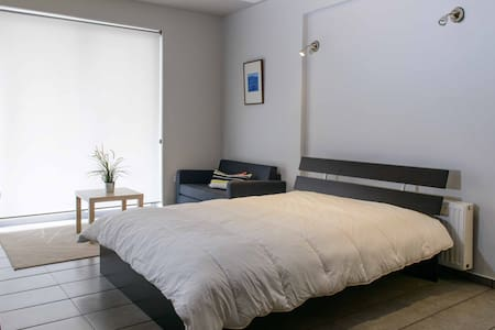 Cosy Luxury Apartment next to Kerameikos Metro