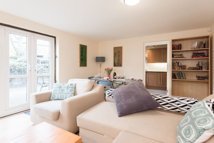 Two double bedroom next to Kings College Hospital