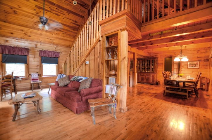 Percy's Paradise Cabin-Smoky Mountains-Cherokee