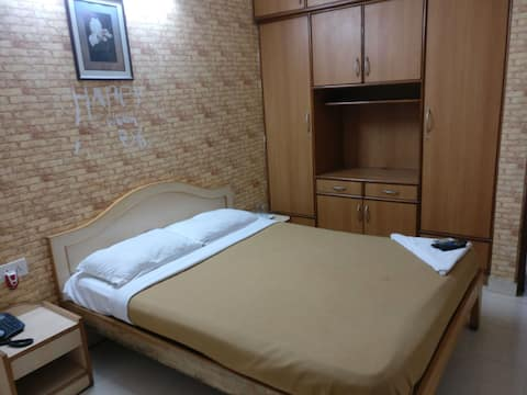 Private Room opposite Ulsoor Lake(Couple Friendly)