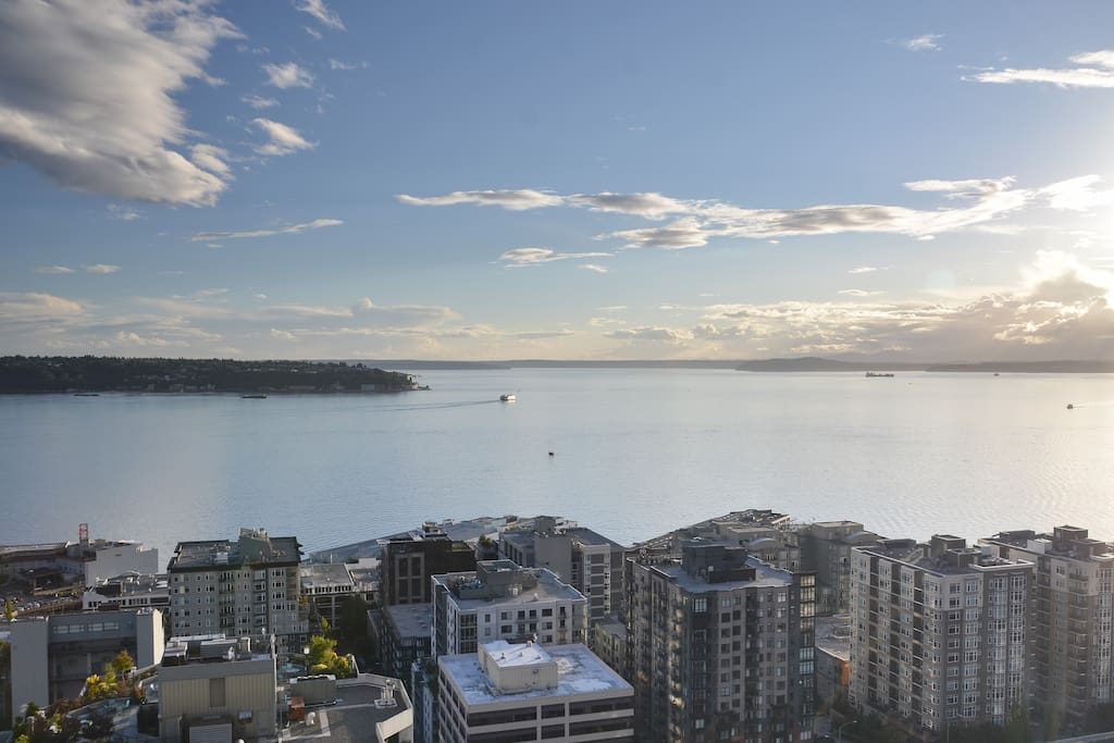 Gorgeous views of Seattle!!