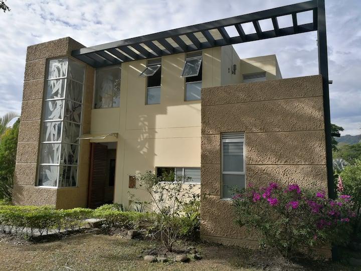Espectacular casa de descanso Villeta Cundinamarca