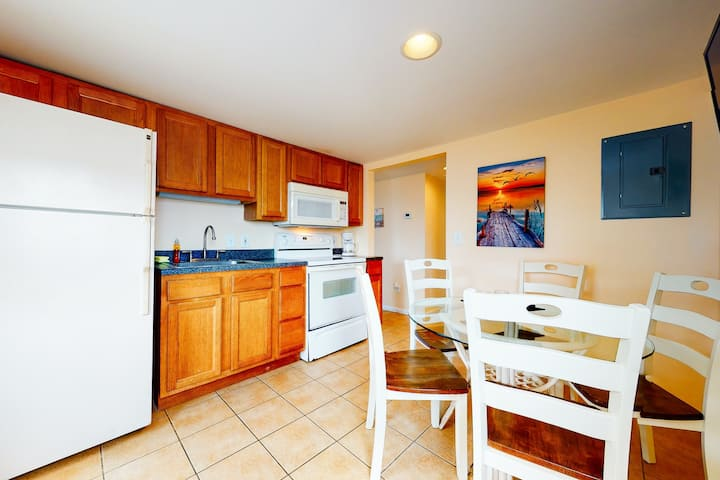 New listing! Cozy, second-story condo w/ private stair access & a full kitchen