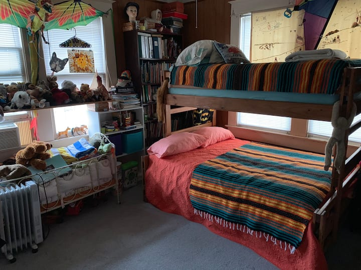Grandson's bedroom! Great for small families!