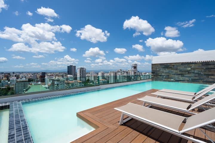 ROOFTOP * POOL* GYM | 1BR | KING BED *Yellowkey*