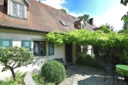 Lovely Holiday Home in Weissenburg with 3 Bedrooms Sleeps 6