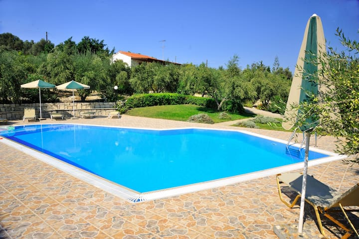 Countryside Villa in Adele with pool and garden