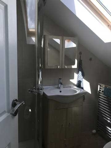 En suite double bed in a 4 beds house