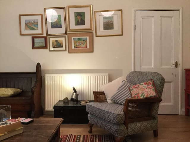 Spacious Victorian two bedroom flat