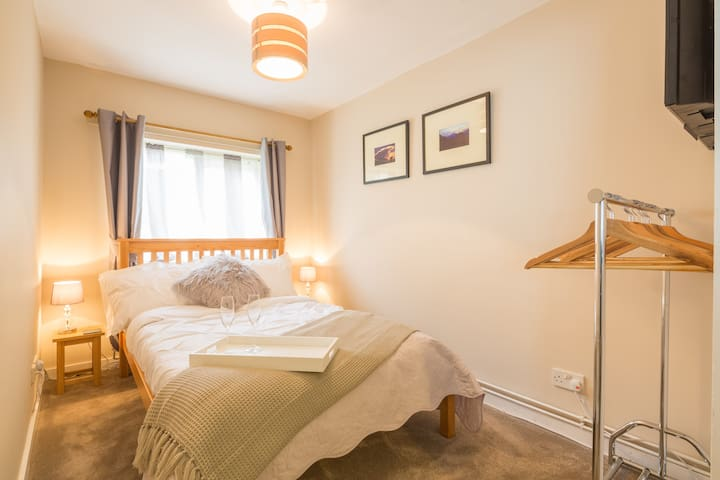 Quiet annex nr Cambridge w parking - Girton - Daire