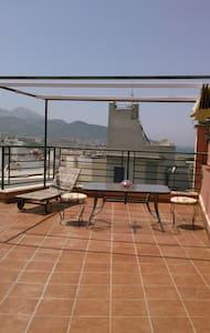 Atico exclusivo. OFERTA ESPECIAL SAN VALENTIN - Ceuta - Appartement