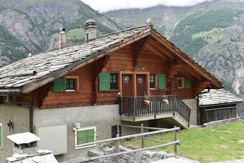 Fantastic, peacefully located apartment 1300 metres above St. Niklaus