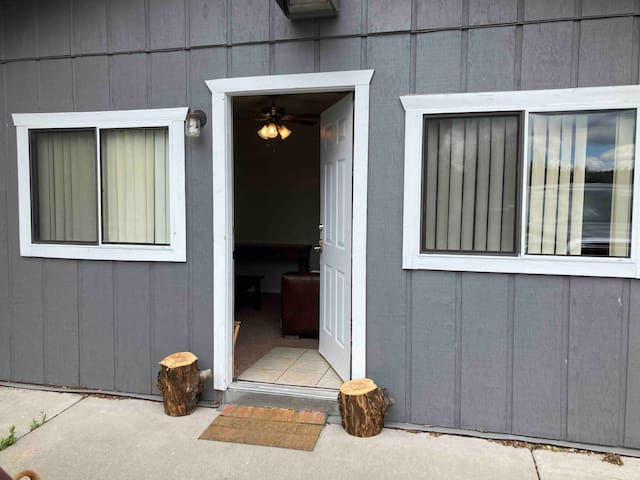 Cheshire Private Casita near downtown and Snobowl!