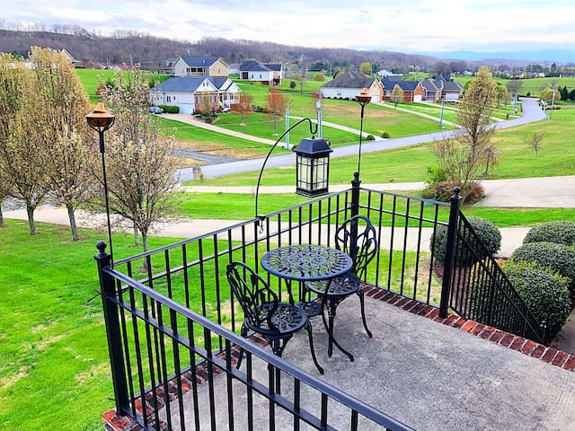 Beautiful 5BR/4BA Home, Vacation or Wedding Guests