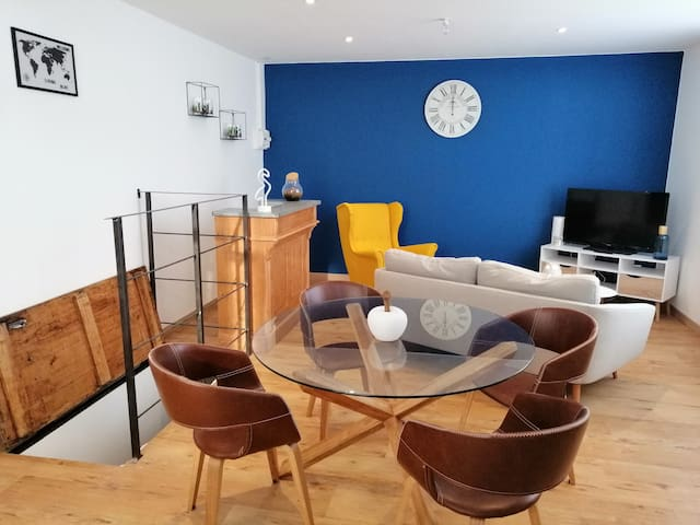 "Appartement Centre Ville de Calais ""Living Blue"""