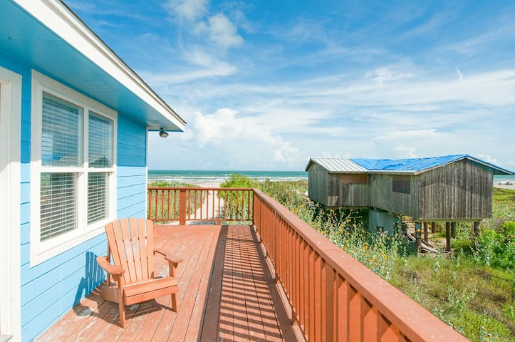Beachfront 4BR w/ Wraparound Deck & Gulf View