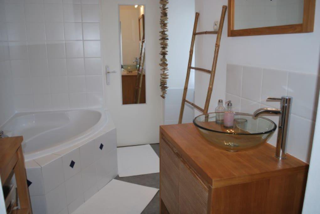 Salle de bain - serviettes inclus