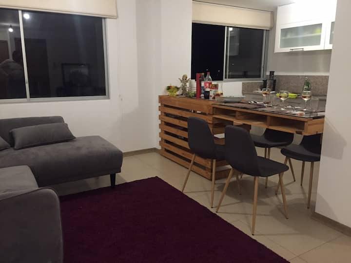 Cómoda y acogedora Suite en el centro dé cumbaya