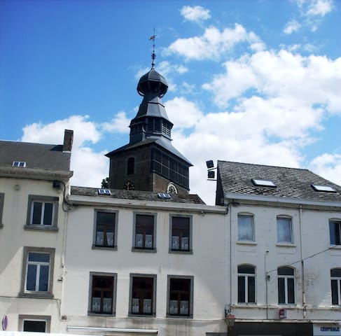 3 chambres au centre historique de Gembloux - Gembloux - Rekkehus