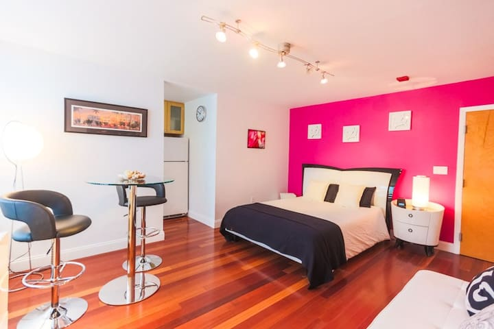 Studio South Beach with Pool Close to the Beach