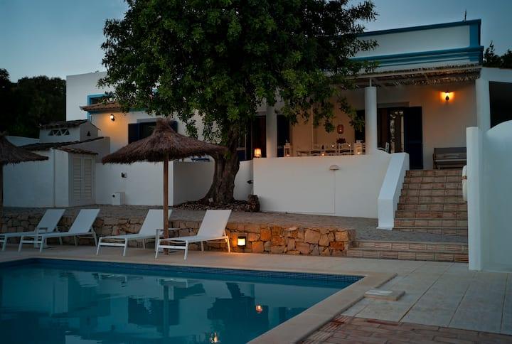 Charming Villa at Ria Formosa, unique location